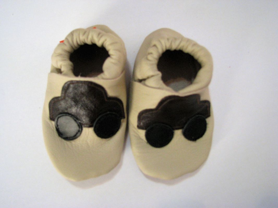 Barefoot Capáčky Menu baby shoes - béžové s autíčkem bosá